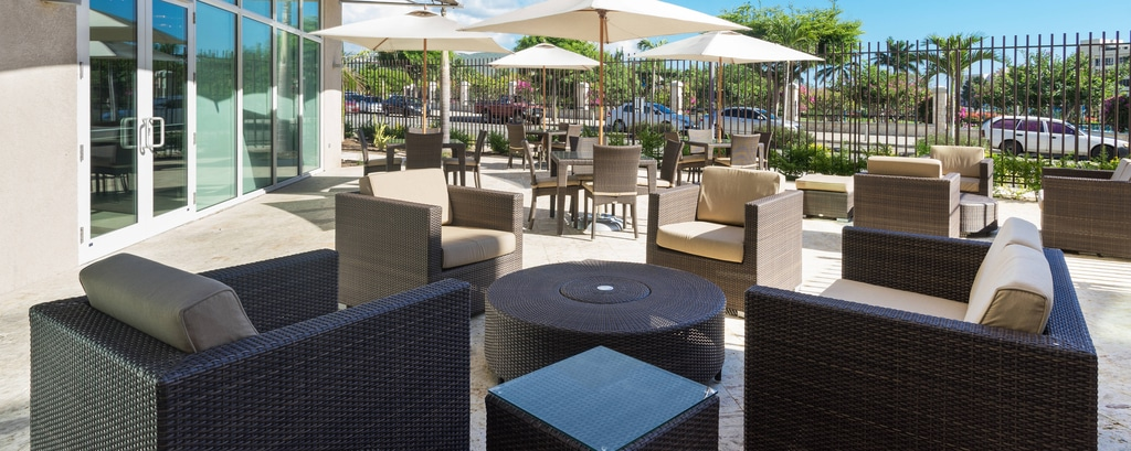 Centro Outdoor Seating Area
