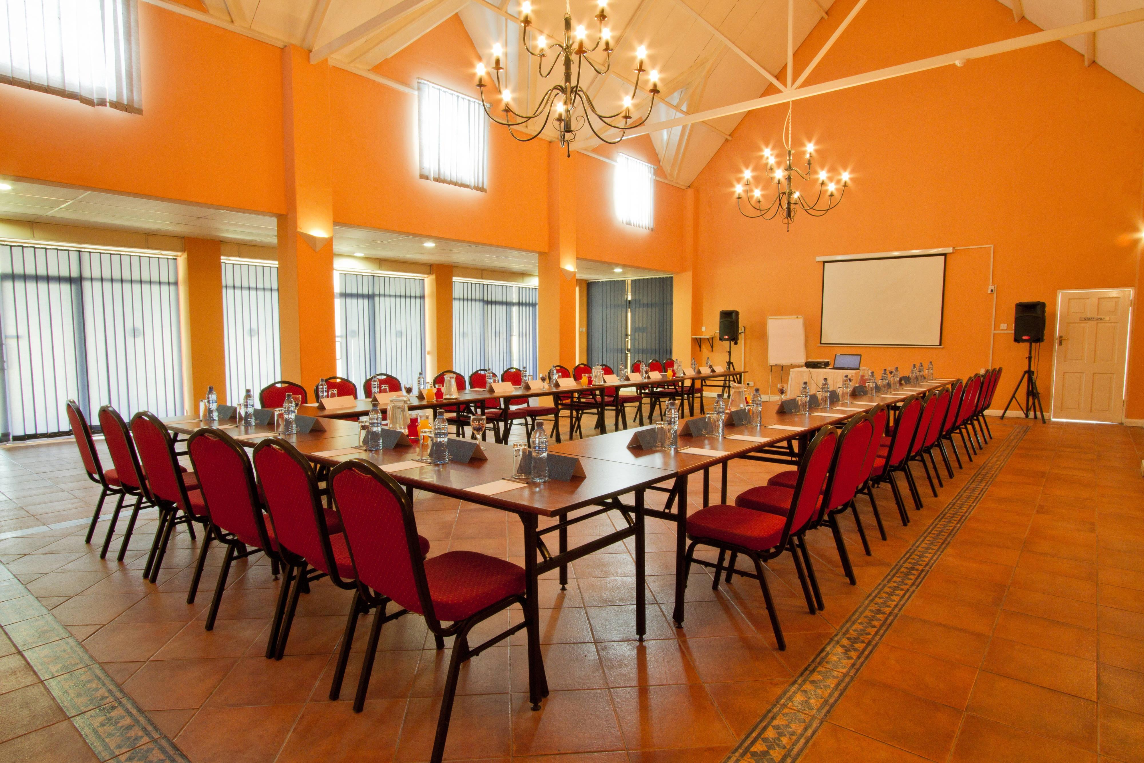 Conference Room – U-Shape Setup