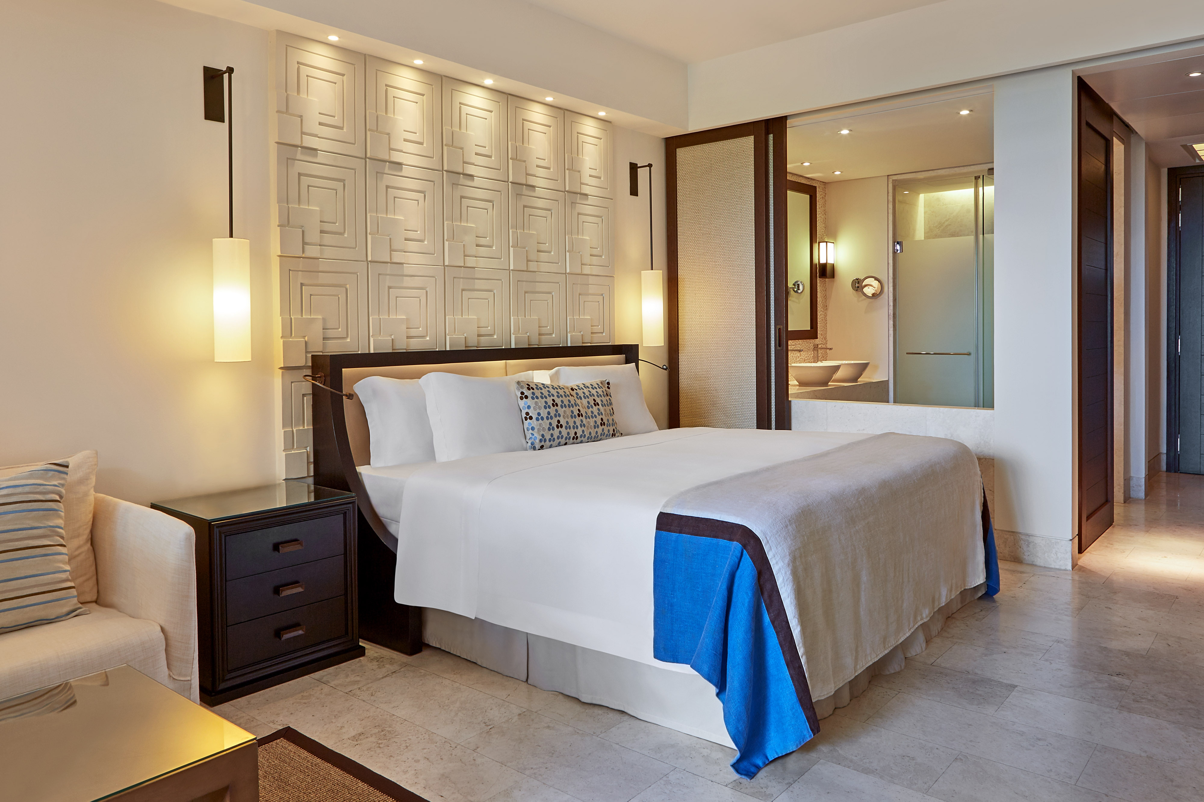 King Deluxe Room at The Romanos Resort