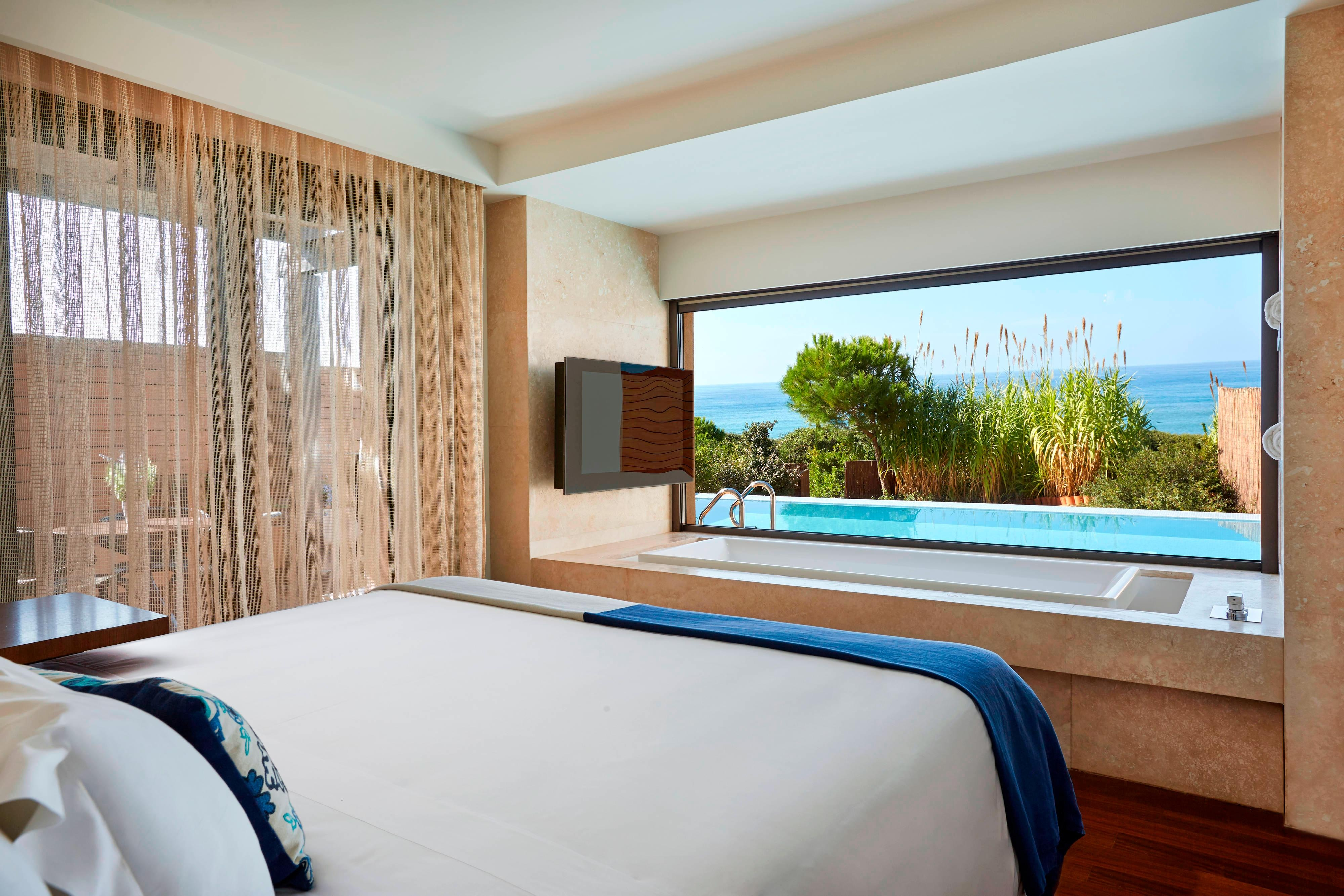 Ionian Exclusive Grand Infinity Sea Suites – Schlafzimmer