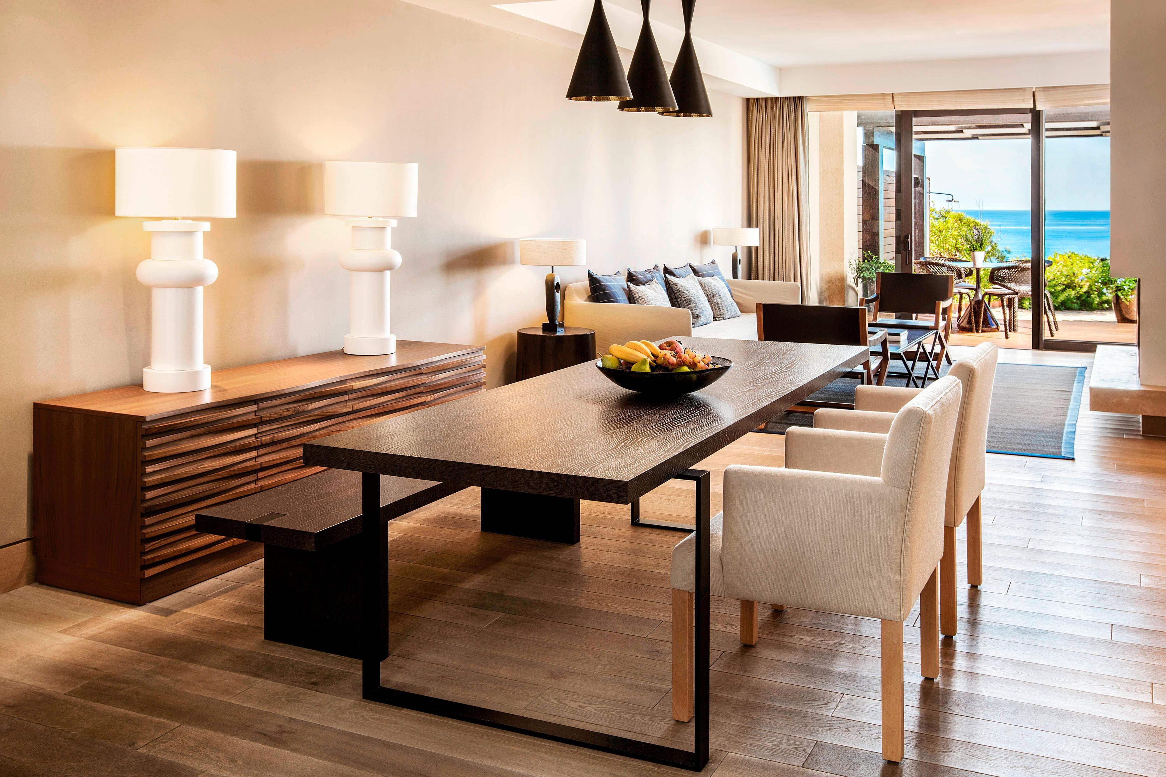 Master Infinity Villa - Dining Room