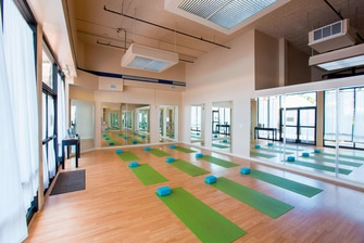 Kona beach hotel yoga studio