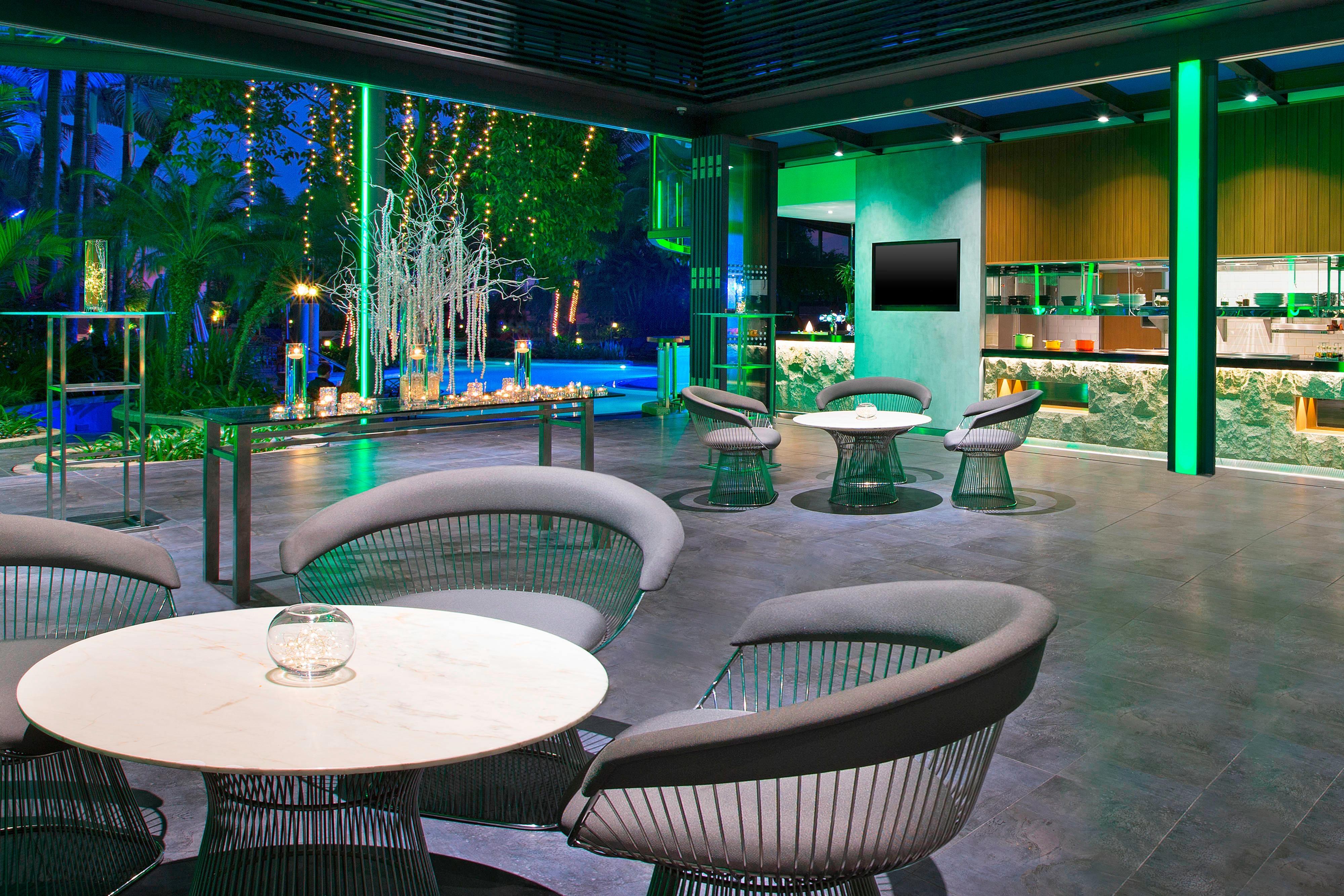 Pool Bar & Grill 8