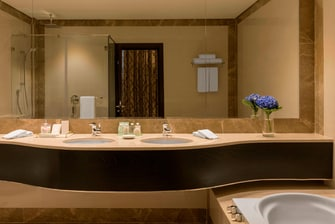Ambassador Suite - Bathroom