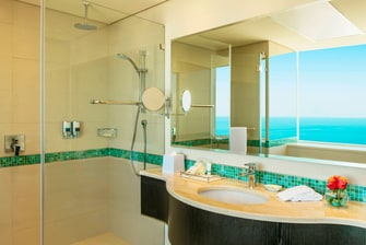 Business Suite - Bathroom