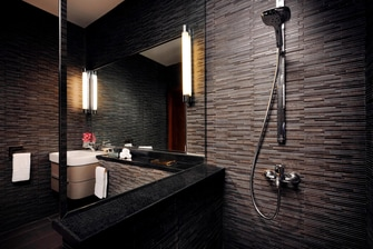 Suite Bathroom Residence Inn Kuwait