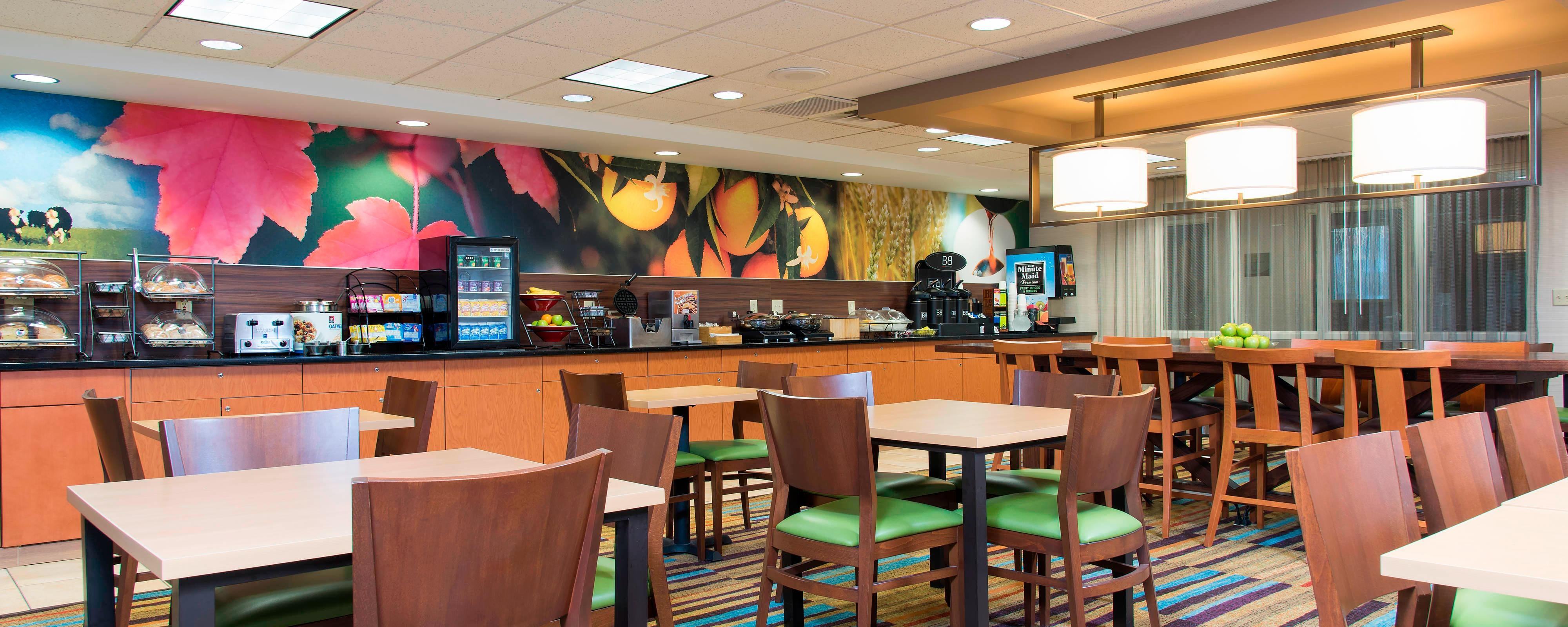 Okemos hotel restaurants | Fairfield Inn East Lansing Dining ...