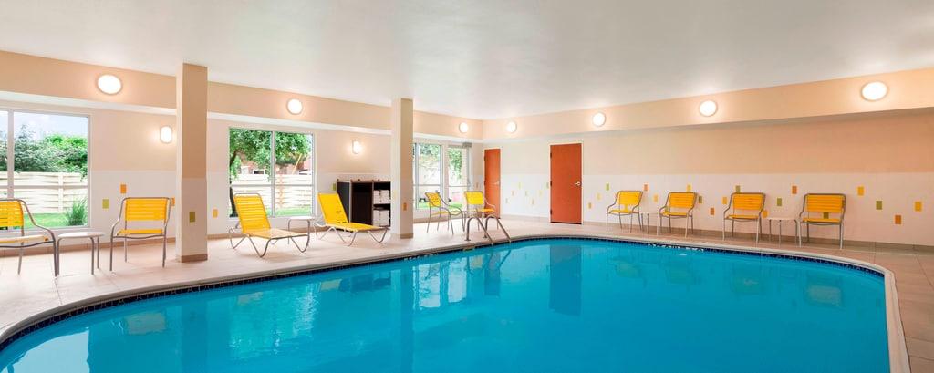 indoor swimming pool lansing mi