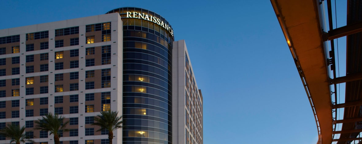 las vegas luxury hotels renaissance las vegas hotel. Black Bedroom Furniture Sets. Home Design Ideas