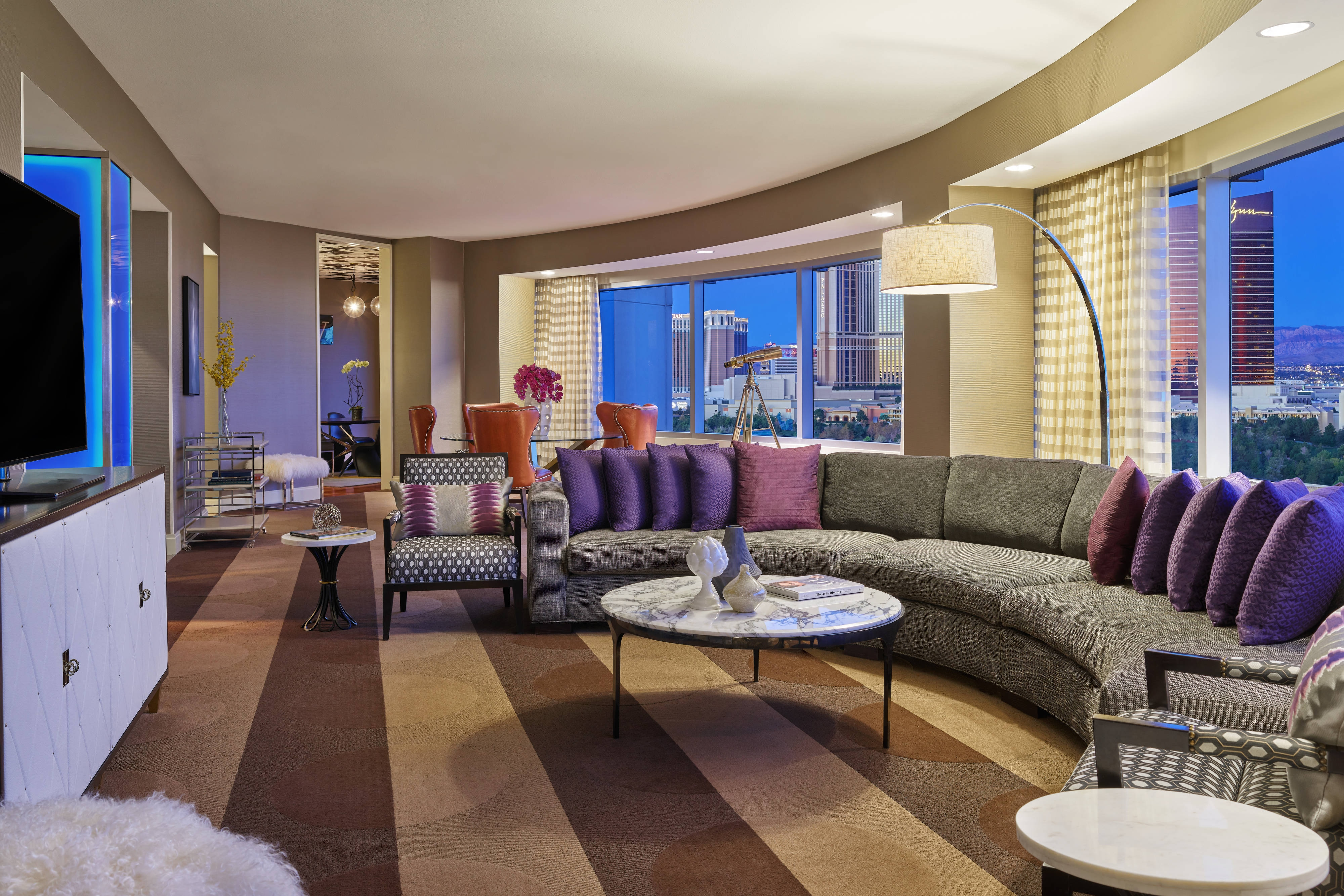 Luxury Rooms and Suites Las Vegas | Renaissance Las Vegas ...