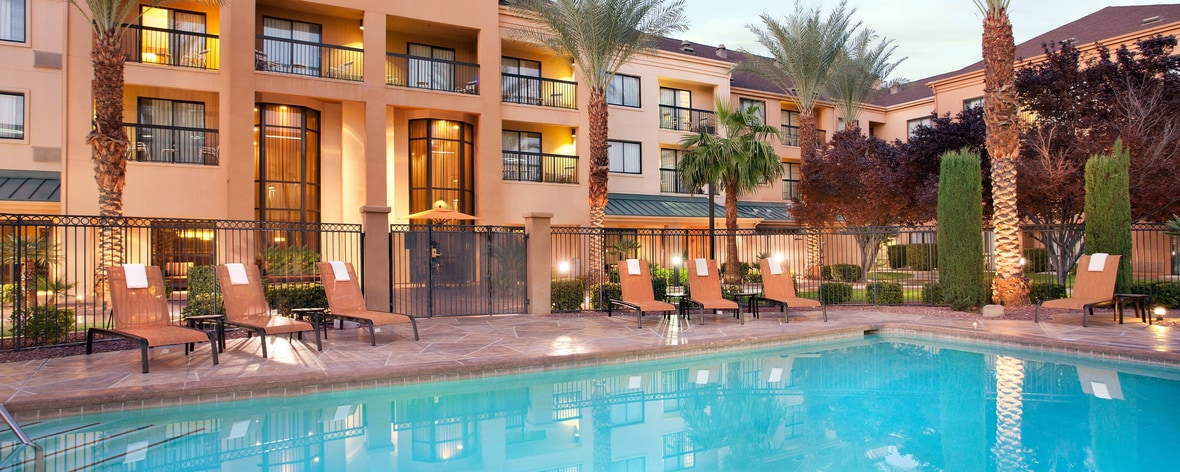 Courtyard Las Vegas Pool Summerlin Queen