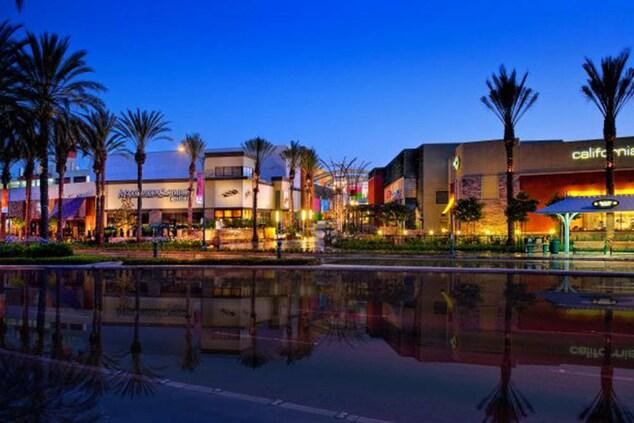 hotels near Anaheim garden walk