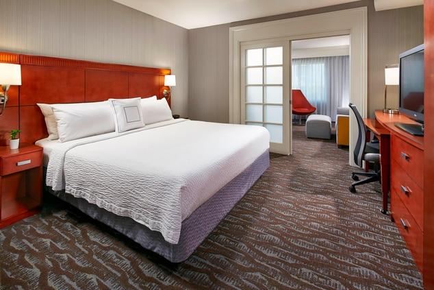 suites in Anaheim ca