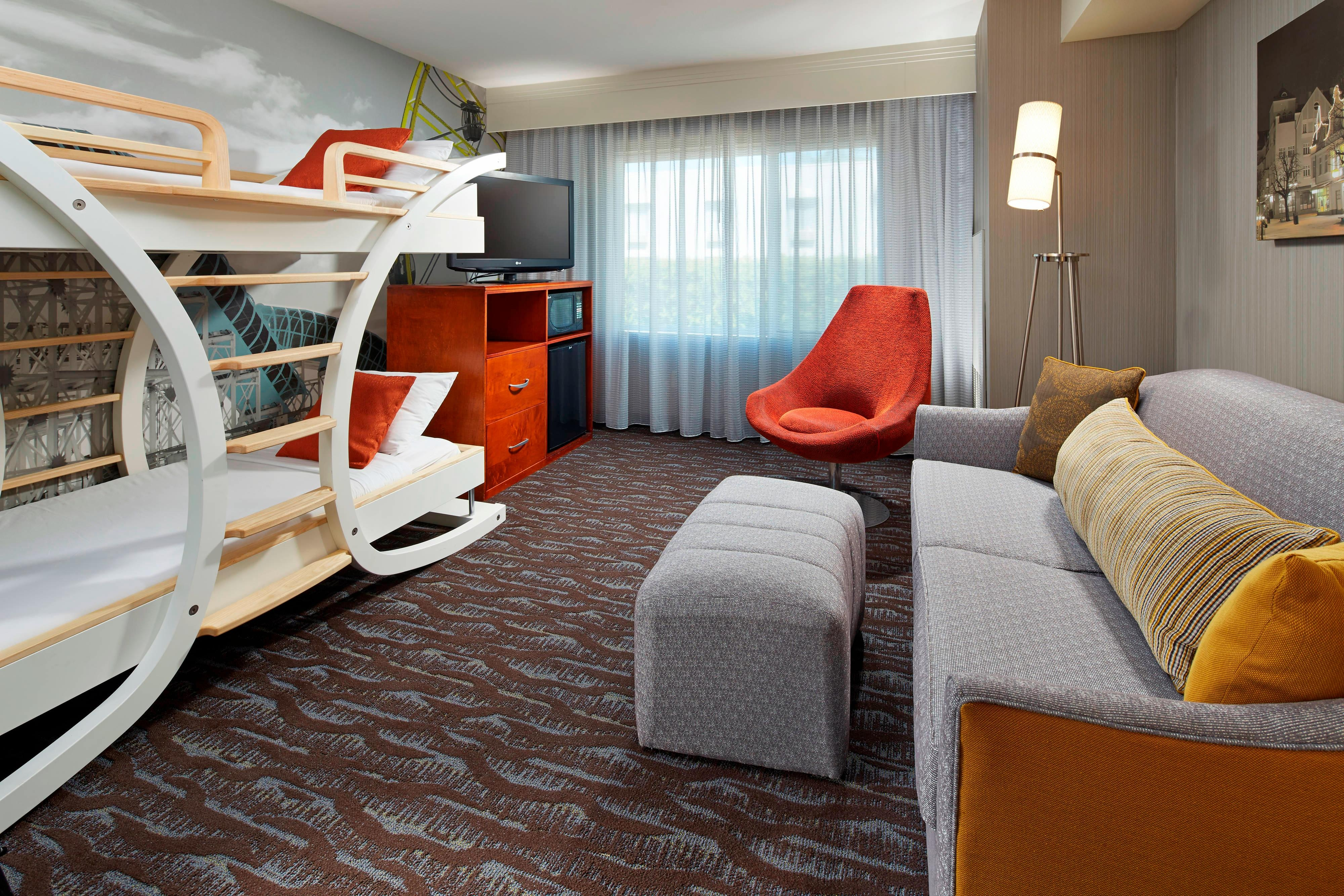 Kid's Suite - Living & Kids Area