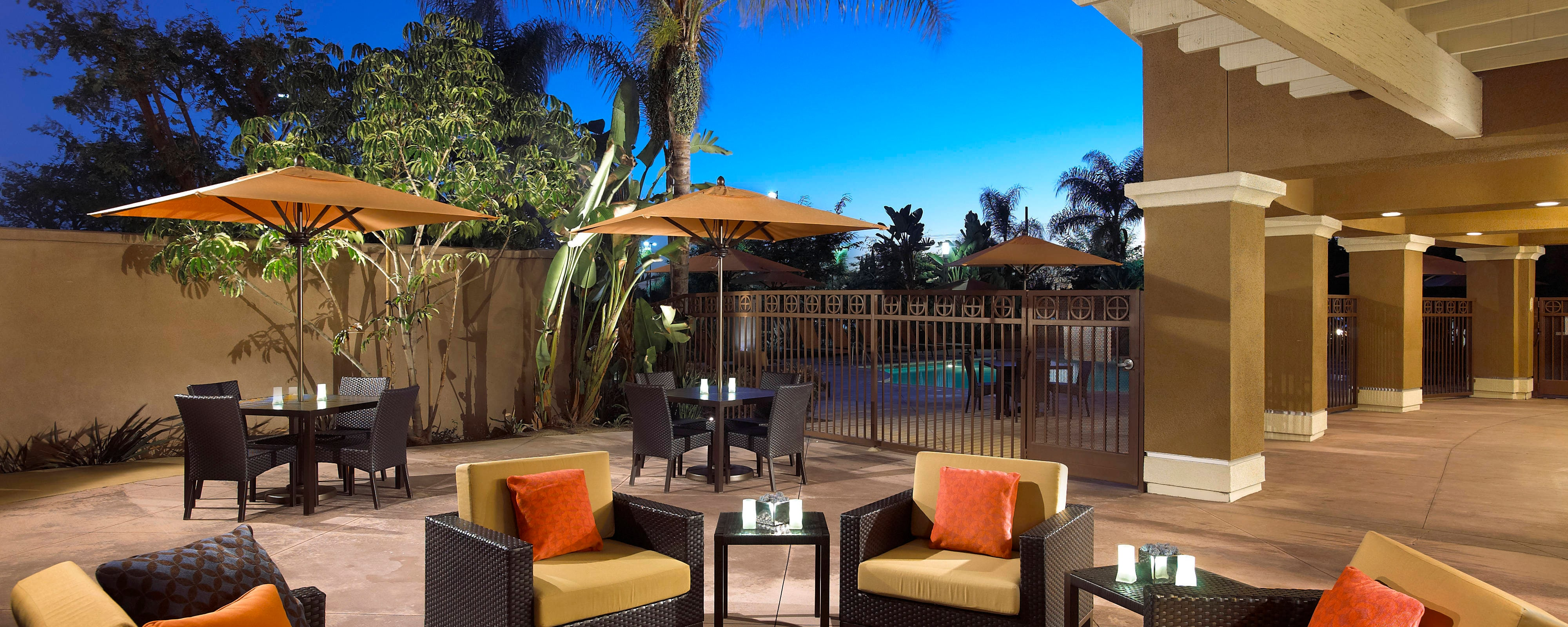Family Disneyland Anaheim Hotels   Courtyard Anaheim Resort ...