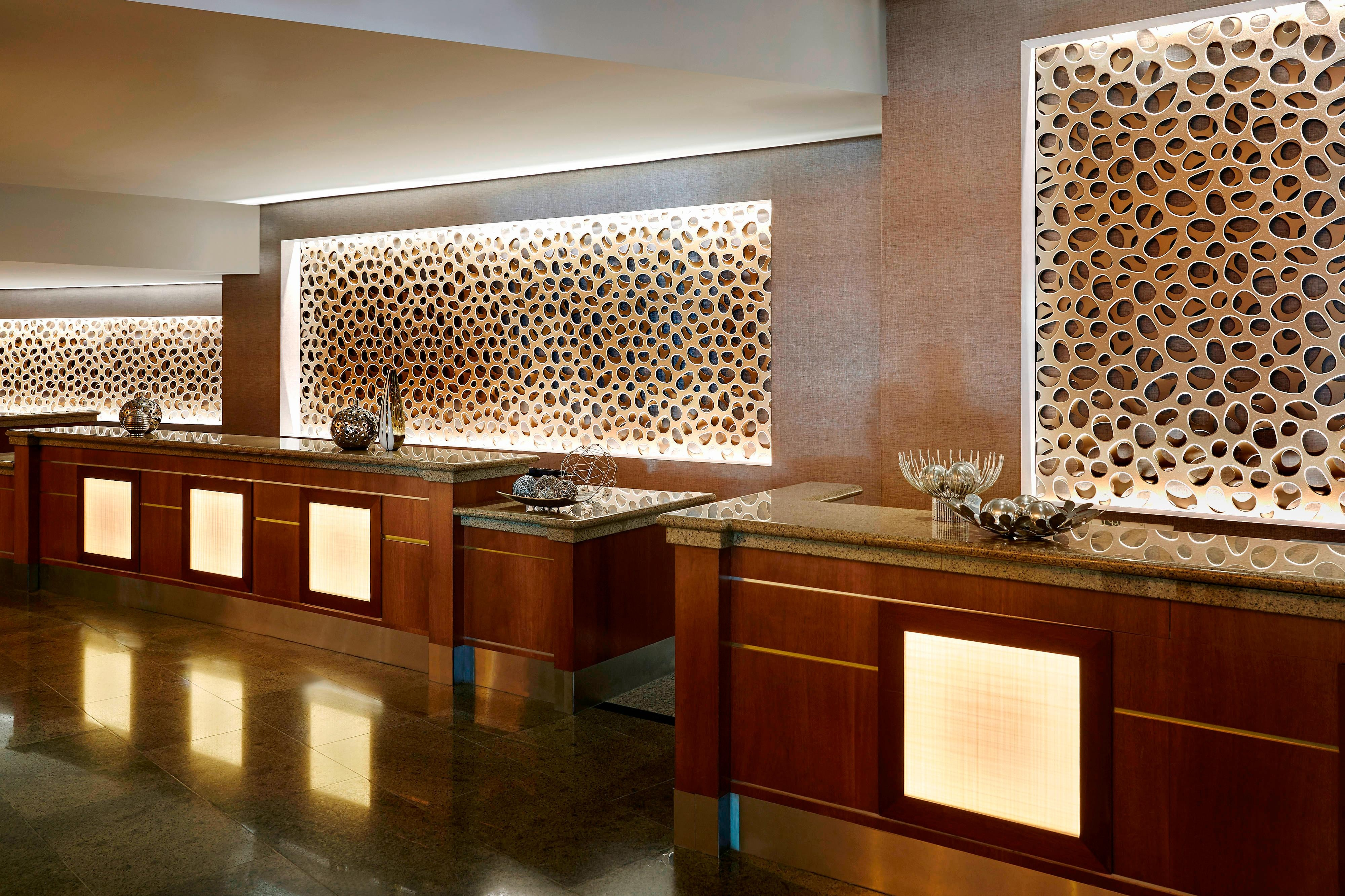 Anaheim Front Desk Reception