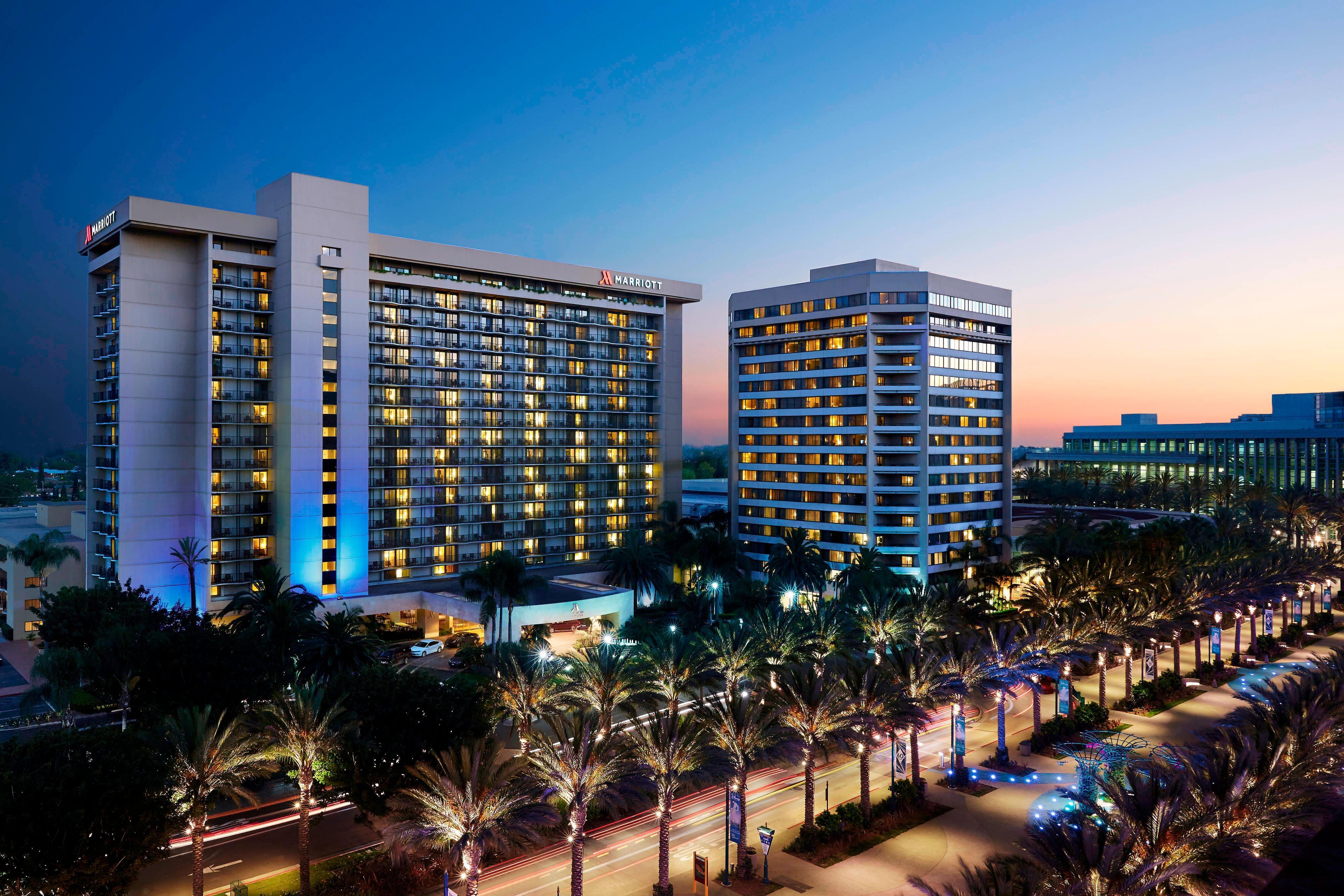Anaheim Marriott au crépuscule