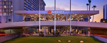 Отель Los Angeles Airport Marriott