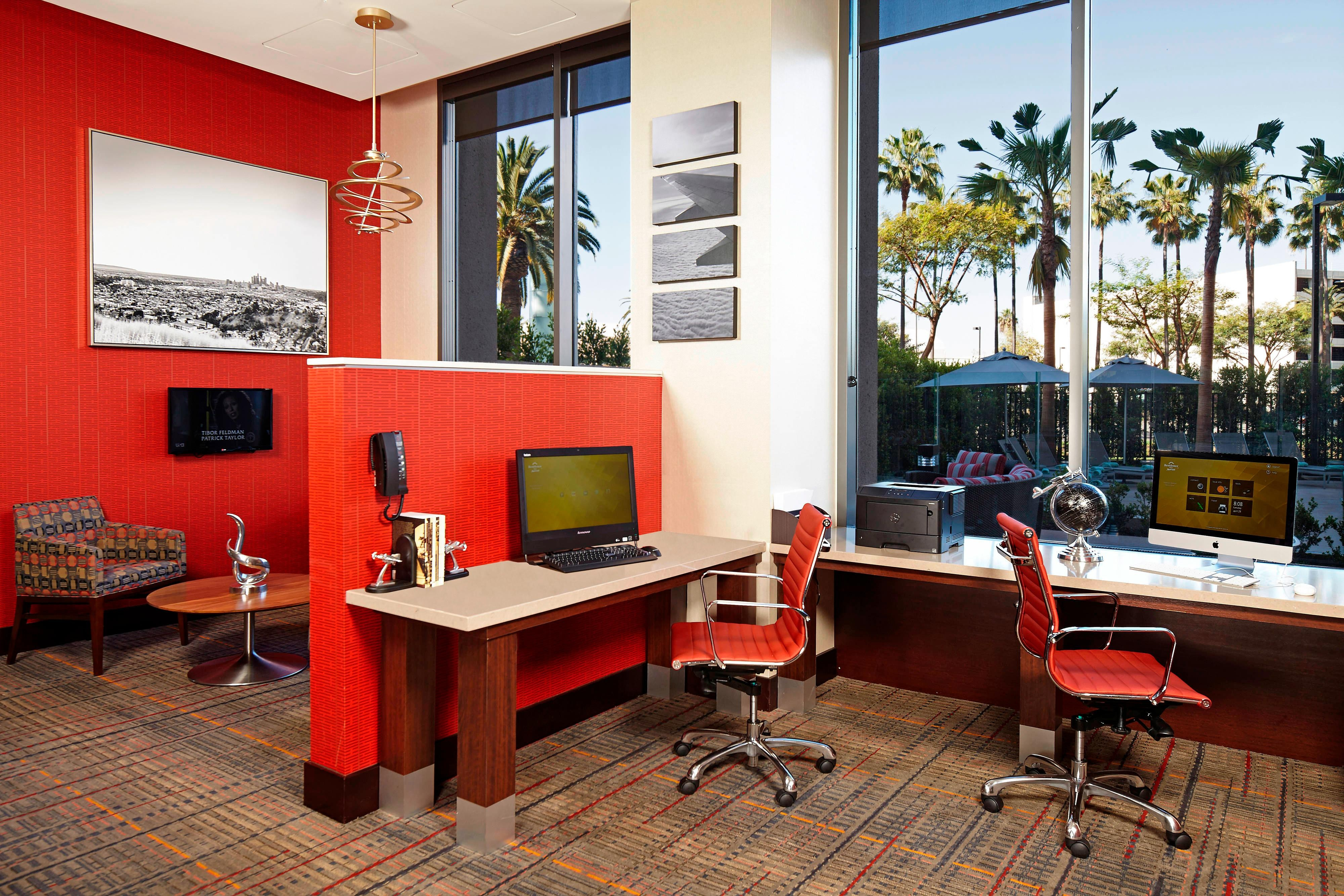 LAX Hotel Business Center