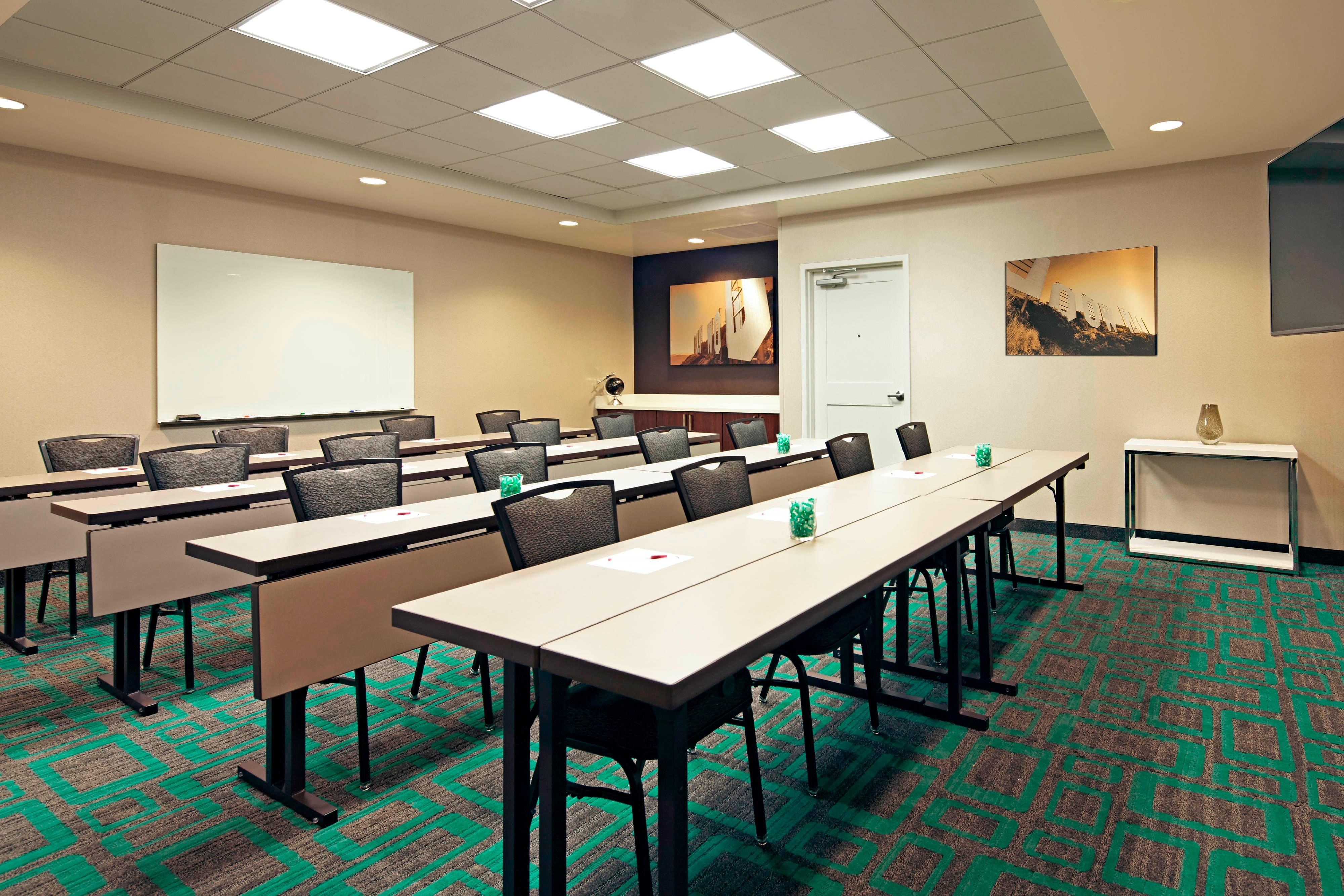LAX Hotel Meeting Room