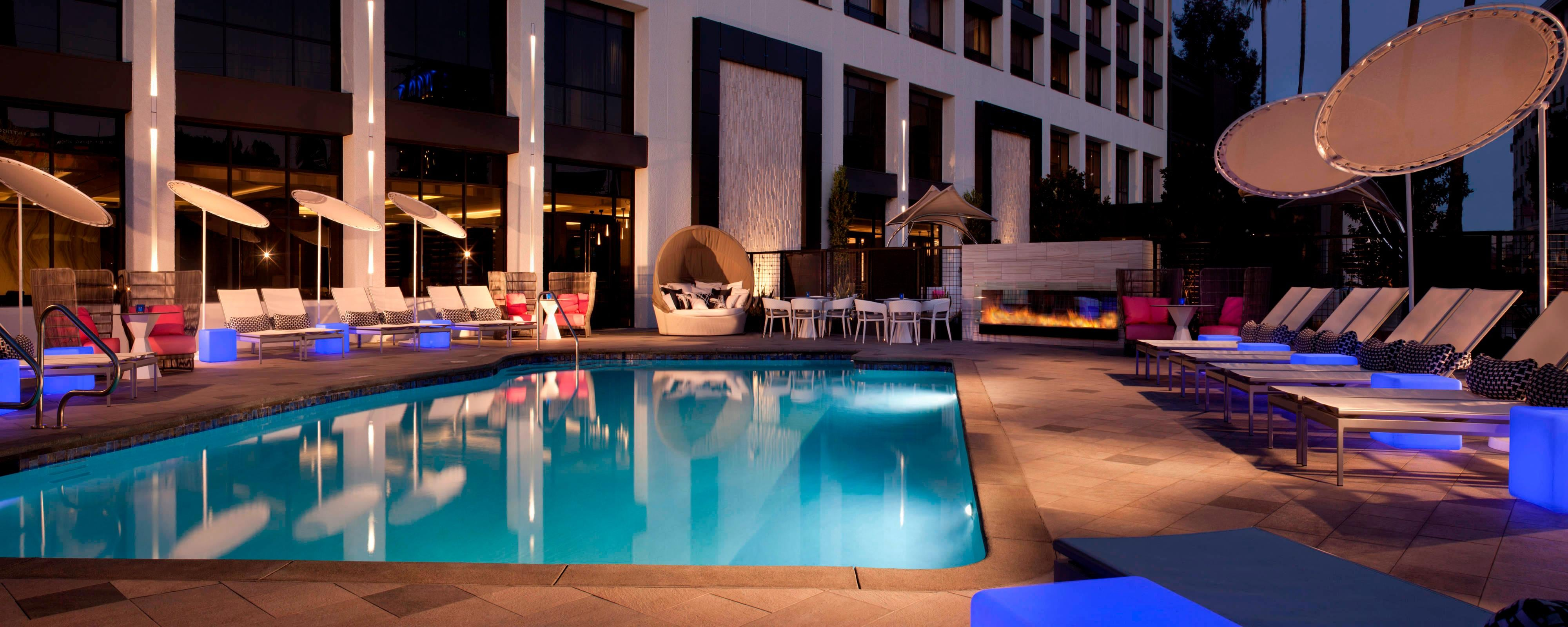 Beverly Hills Hotel Pool