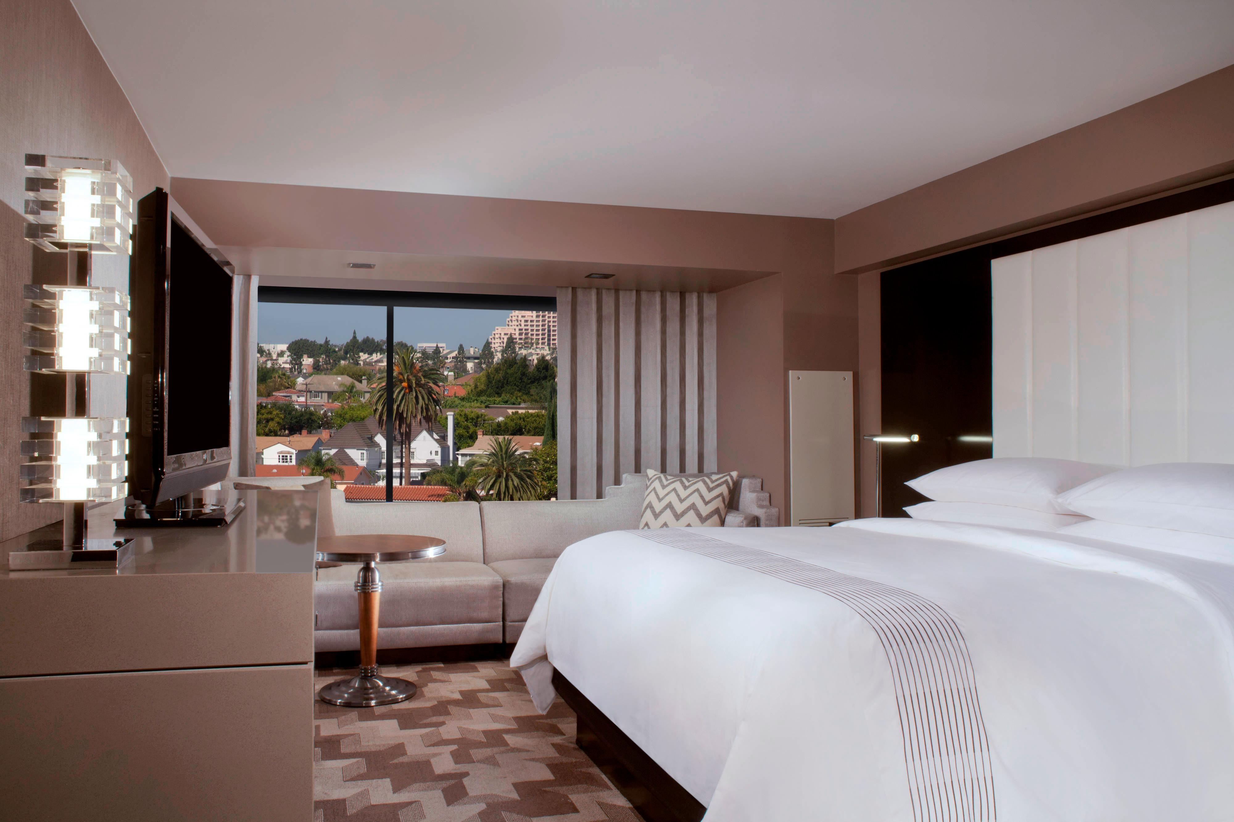 Suites in Beverly Hills