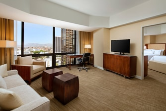 Deluxe One-BedroomTower Suite with 2 Doubles