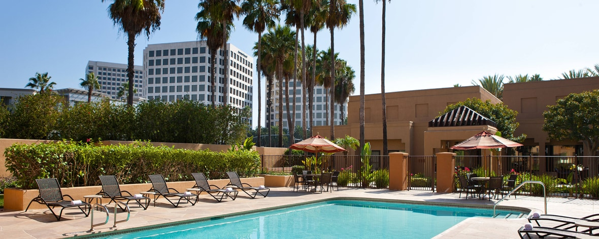 Hotels in irvine ca courtyard irvine john wayne airport - Menzies hotel irvine swimming pool ...