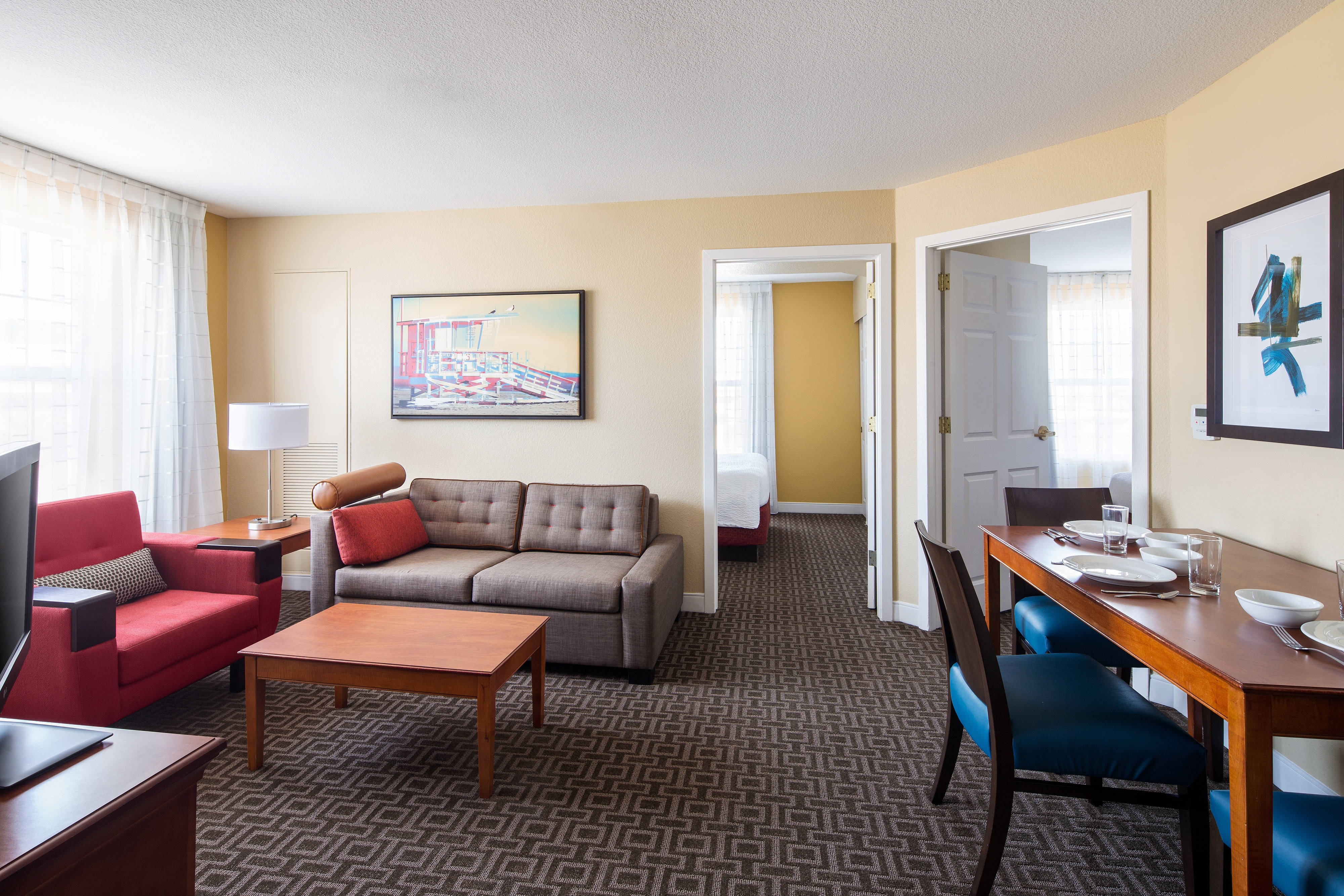 Hotel Rooms in Hawthorne, CA | TownePlace Suites Los