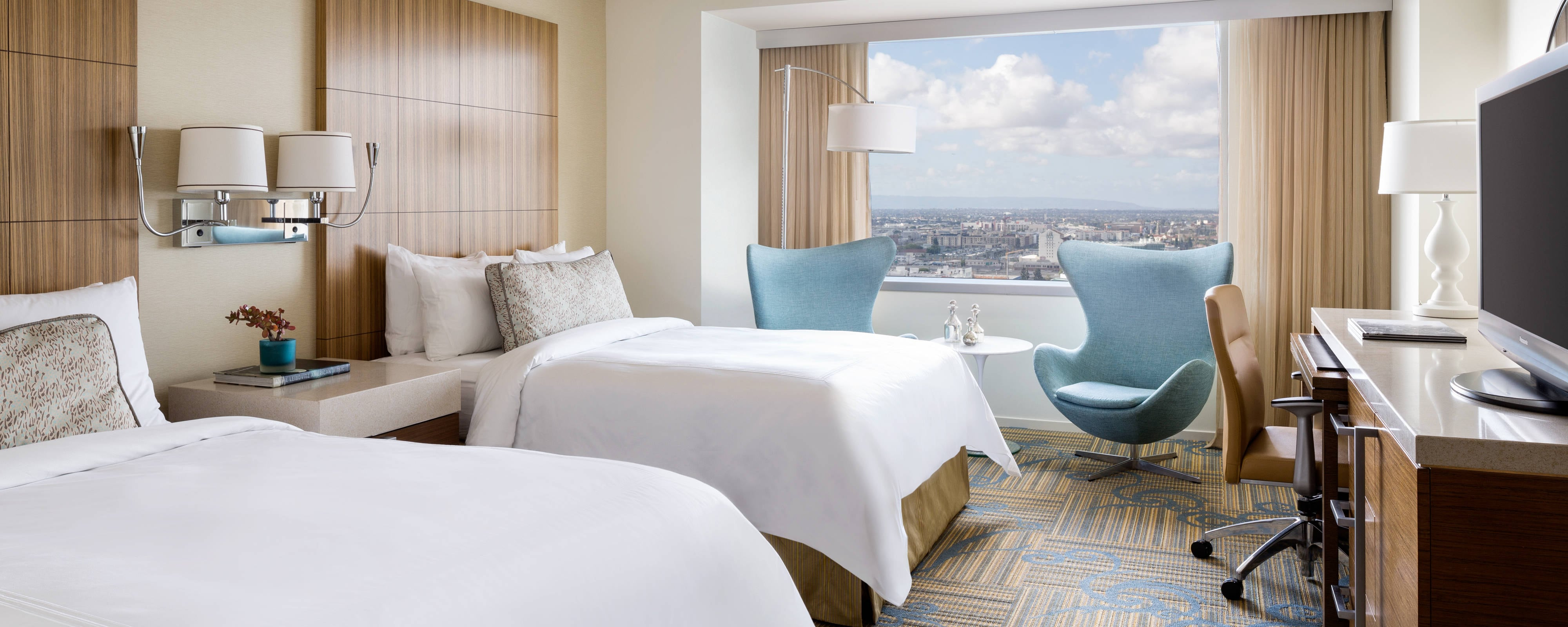 Rooms: L.A. LIVE City Center Hotel Rooms - Suite