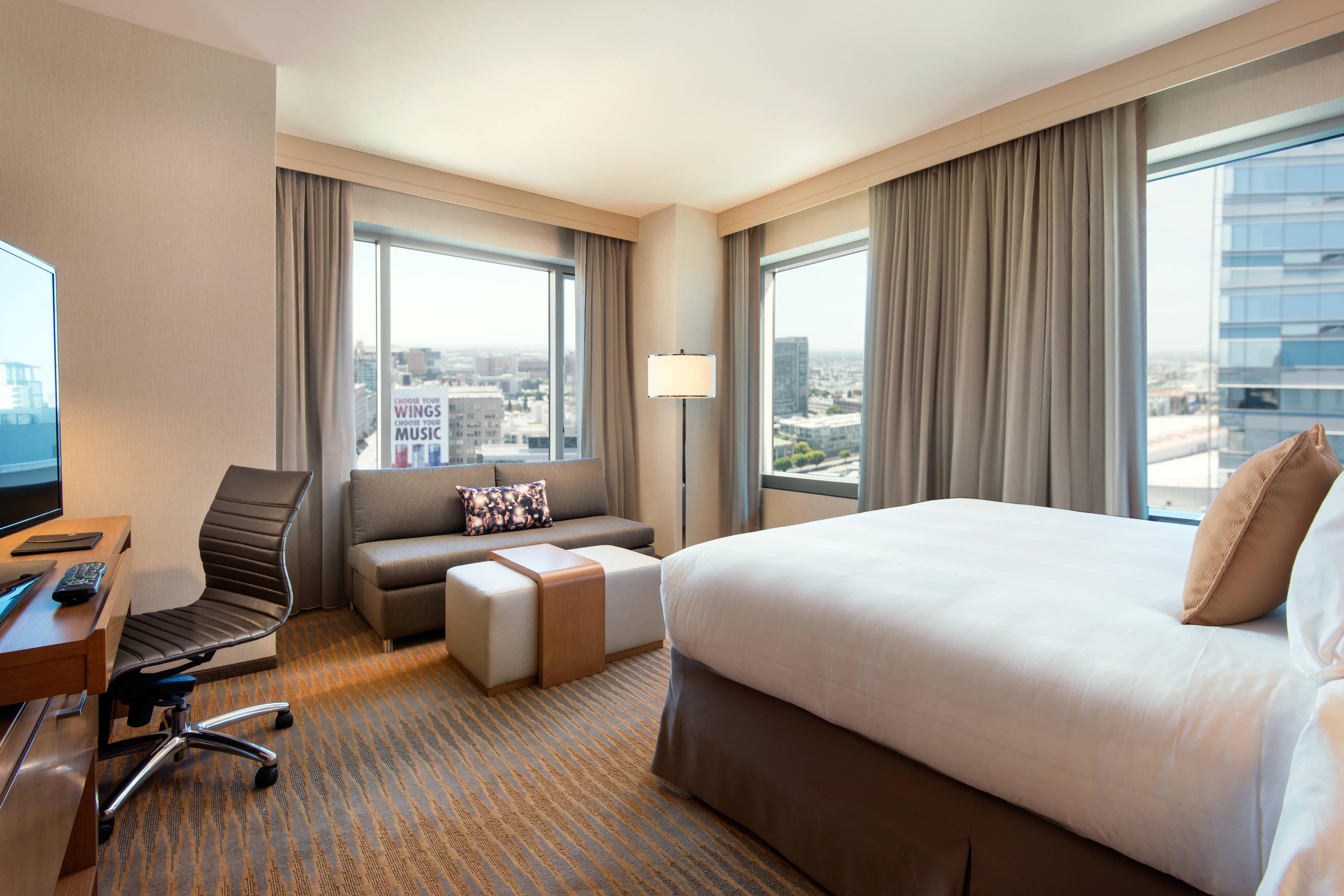 King Corner Guest Room