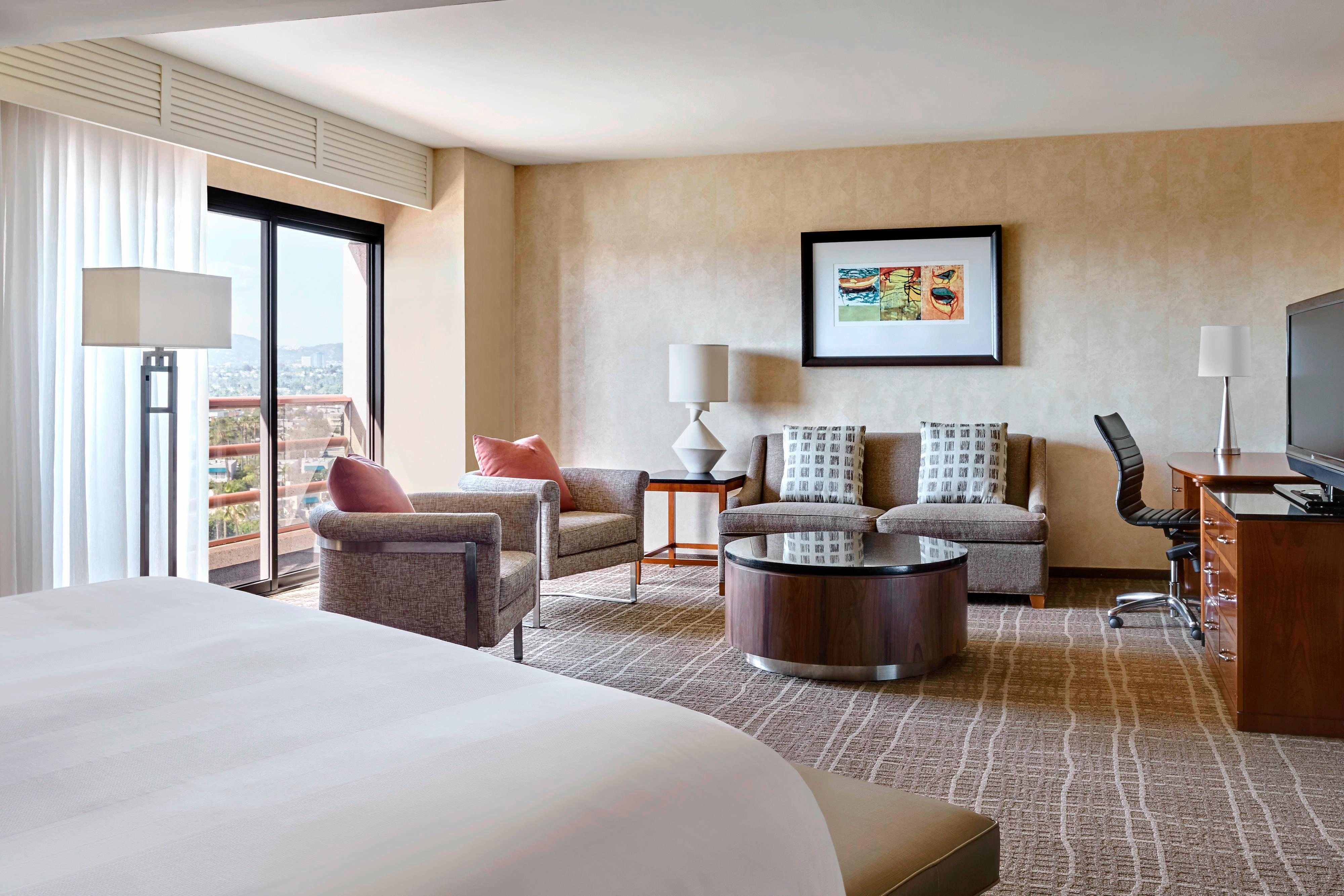 King Executive Guest Room – Santa Monica View