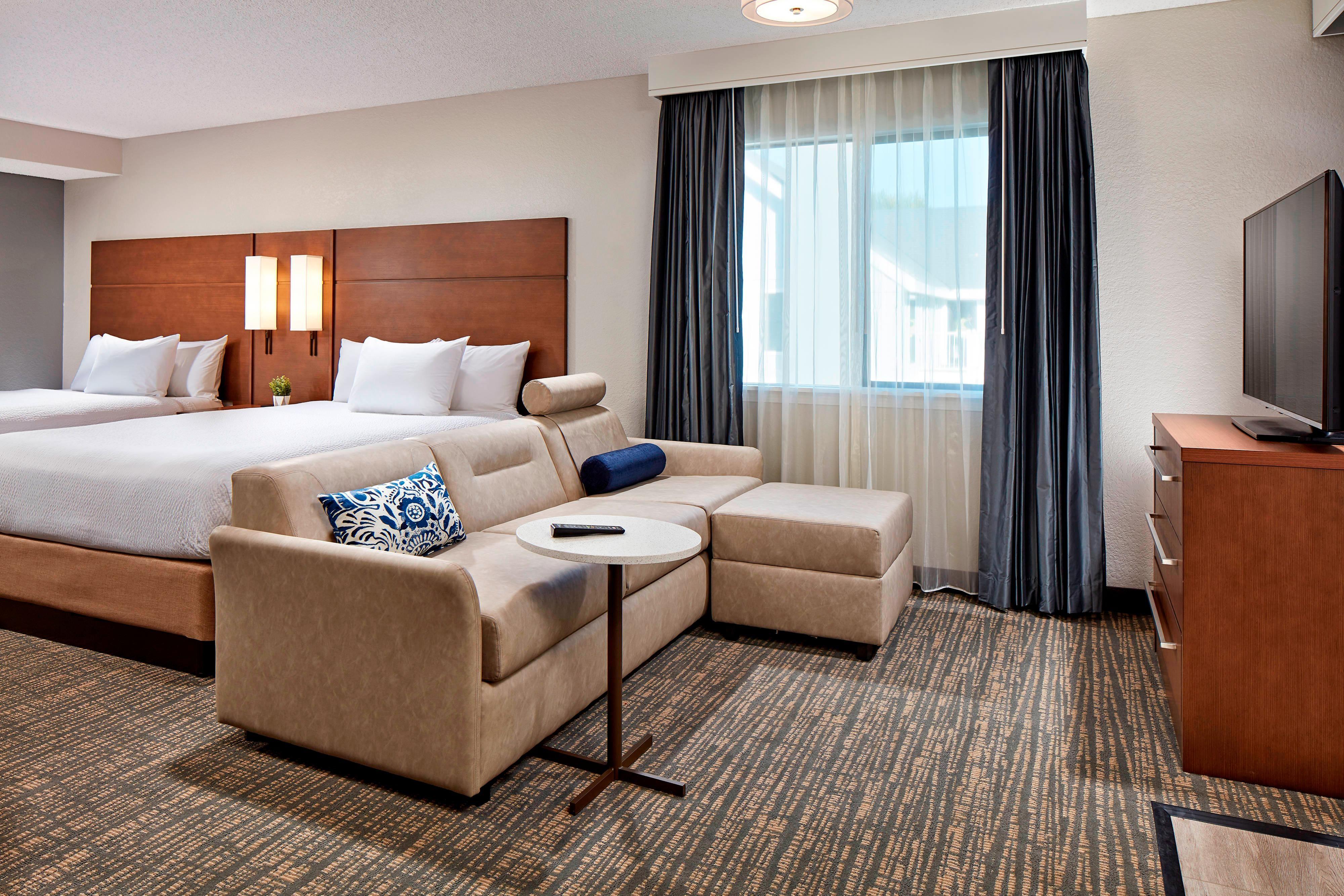 Suite Studio avec deux lits queen size - Espace salon