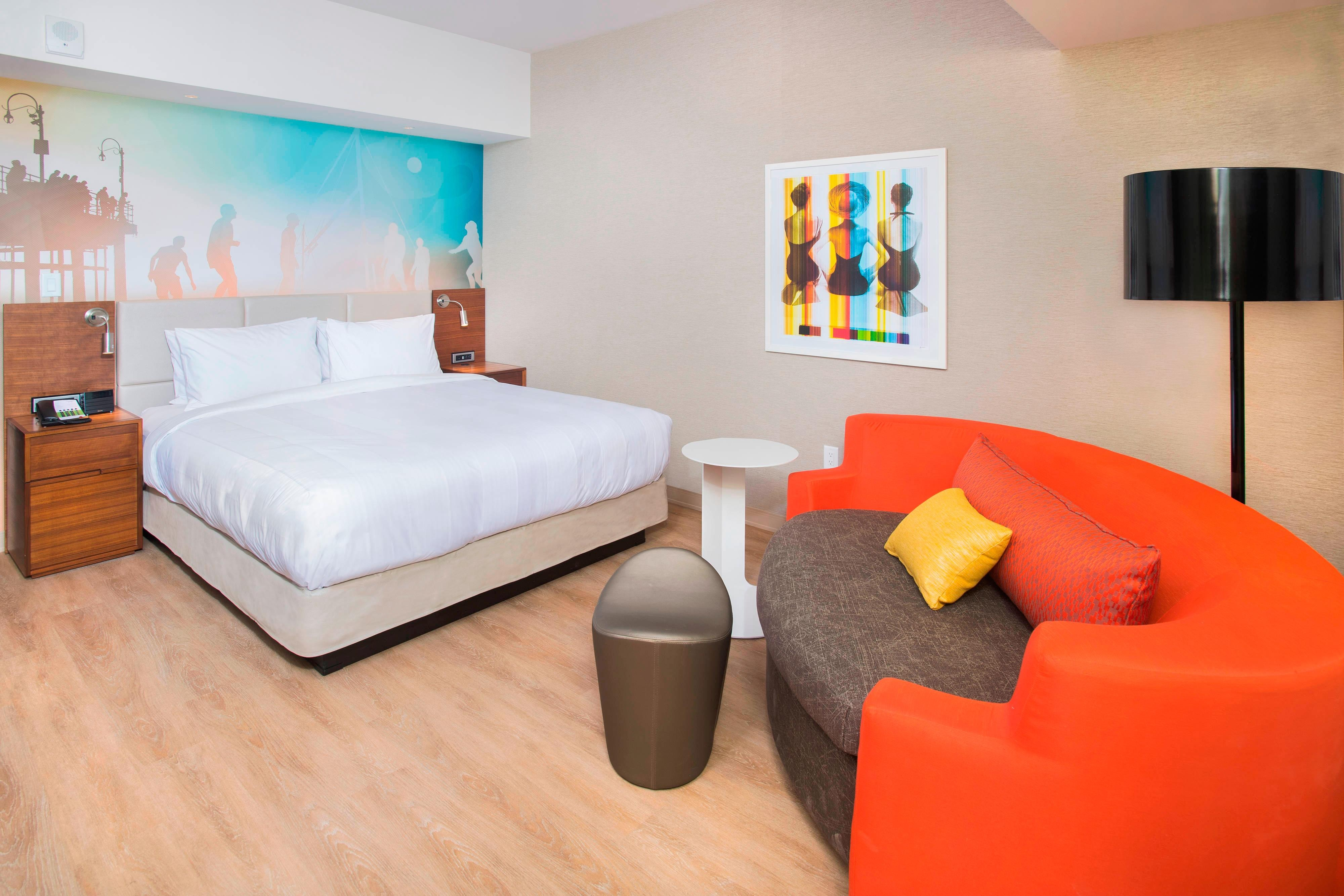 New Downtown Santa Monica Pier Hotel - Courtyard by Marriott