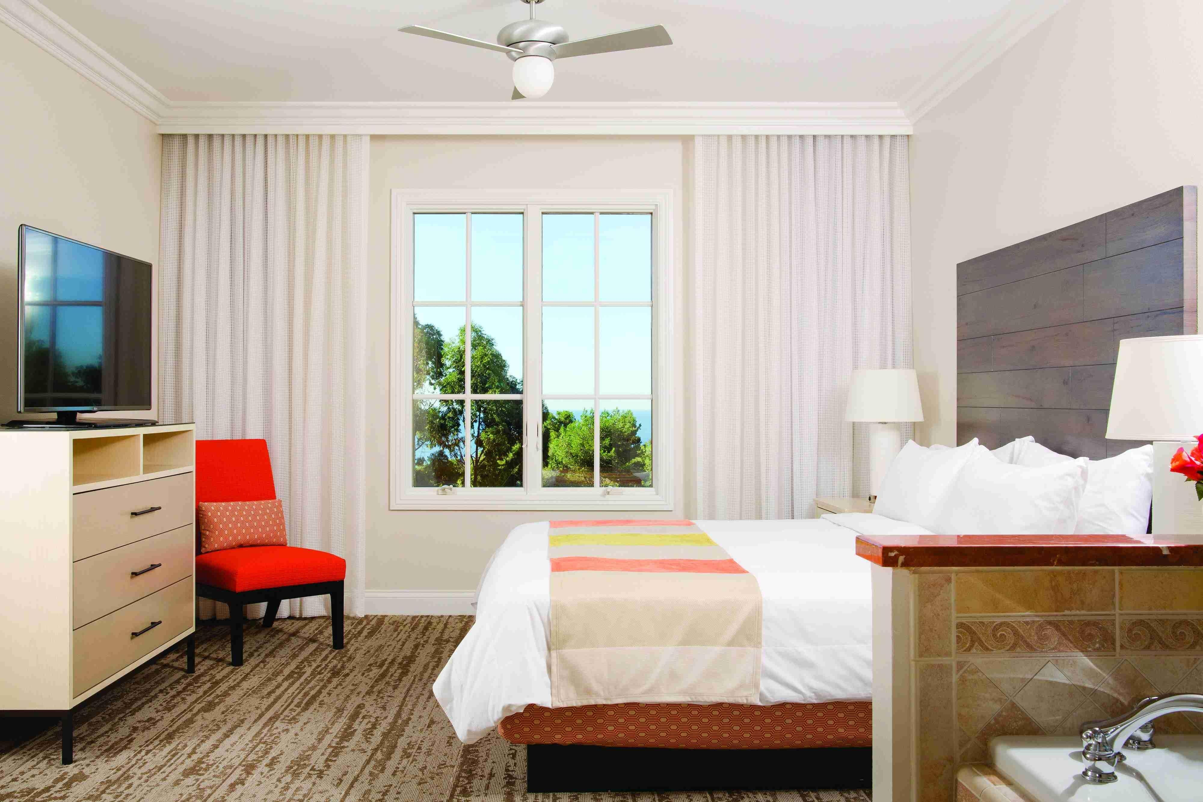 Newport beach california resort marriott 39 s newport - Cheap 2 bedroom suites in miami beach ...