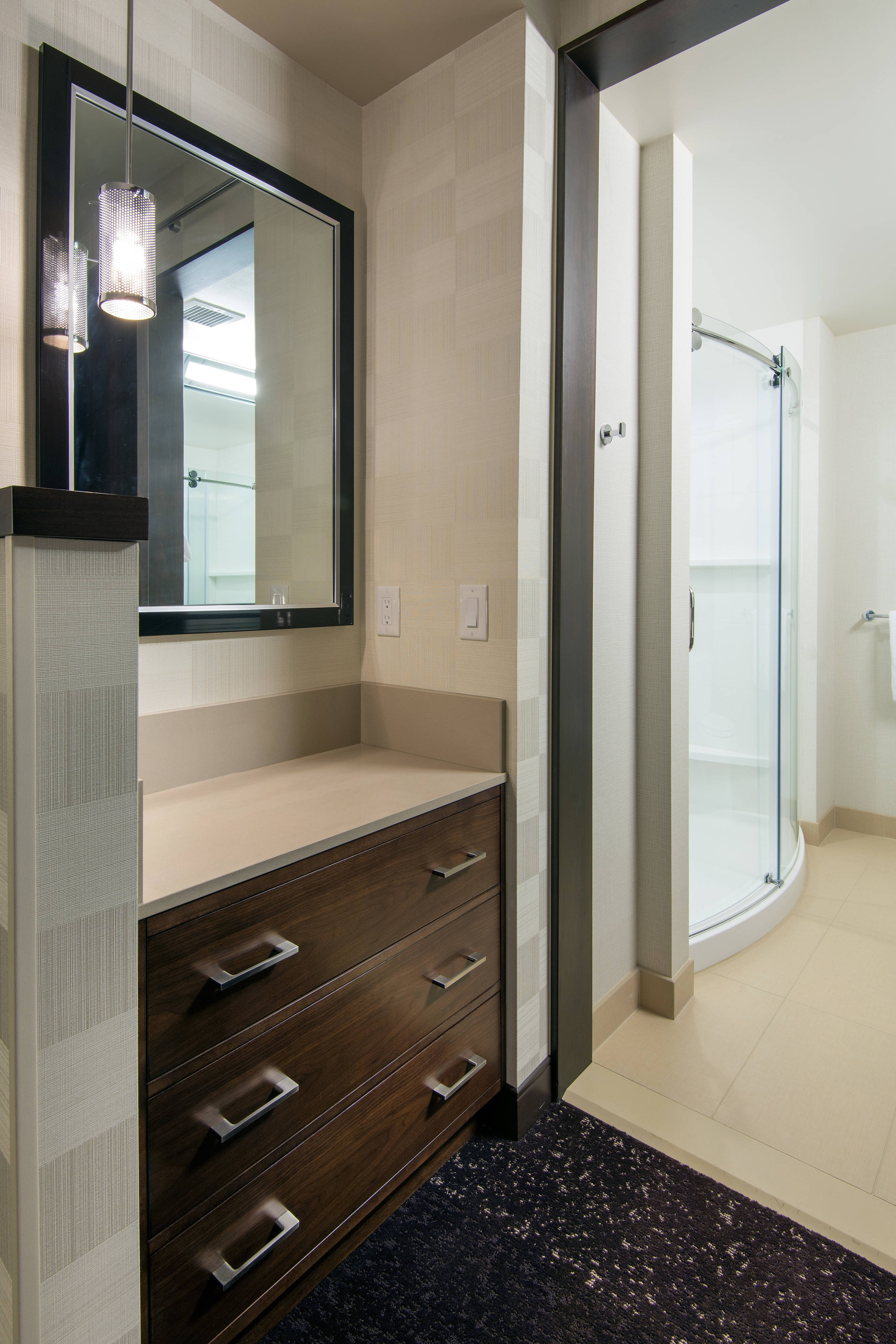 Residence Inn L.A. LIVE - Suite Bathroom