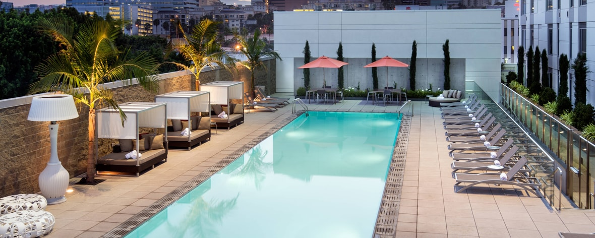 Residence Inn L.A. LIVE - Outdoor Pool Dusk