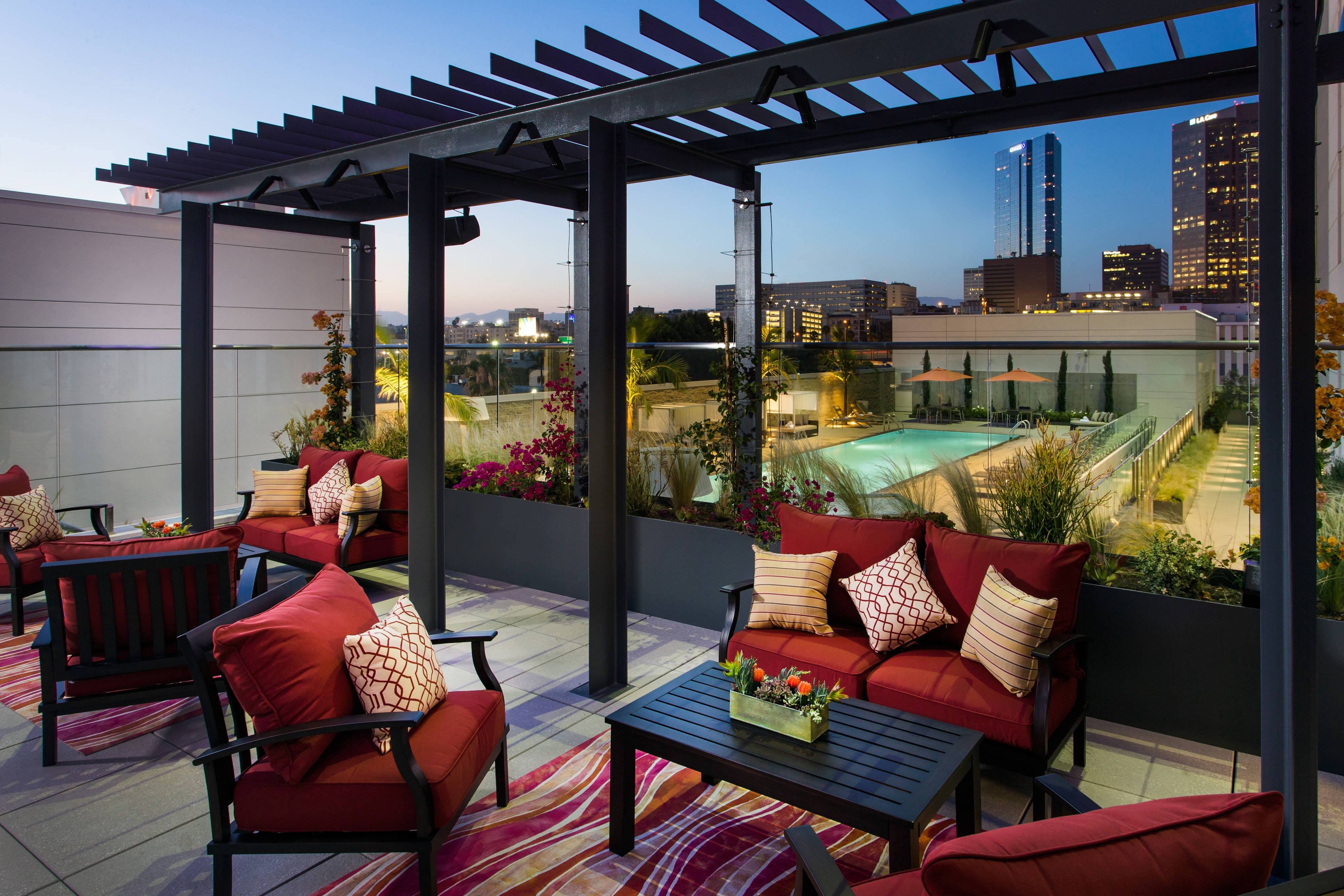 Terraza del Residence Inn Los Angeles L.A. LIVE