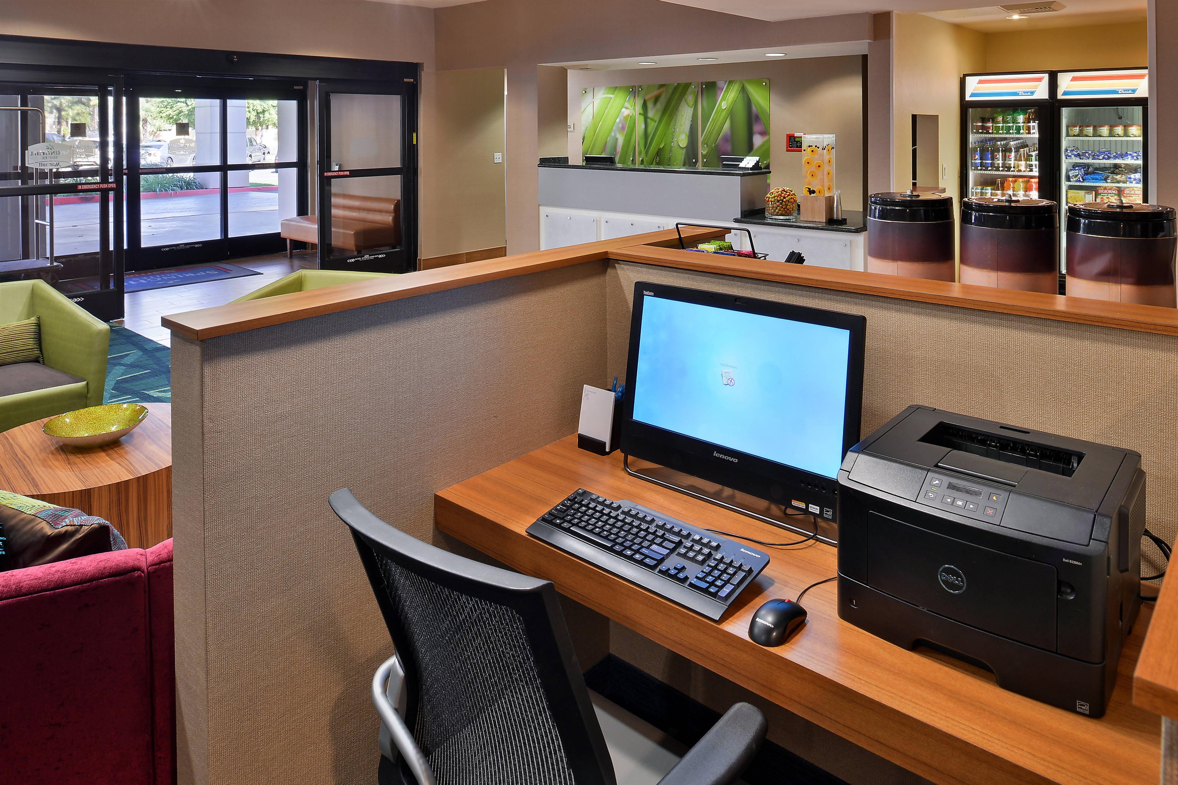 Centre d'affaires de l'hôtel SpringHill Suites Pasadena Arcadia