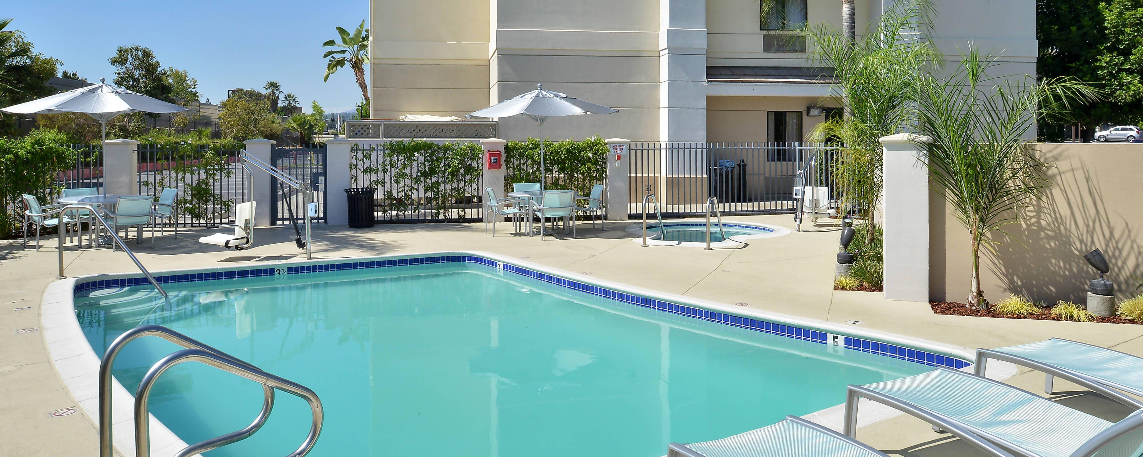Hotel-Außenpool in Arcadia, CA