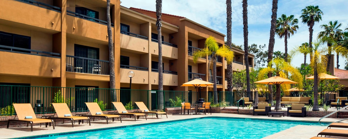 Hotel With Pool Torrance