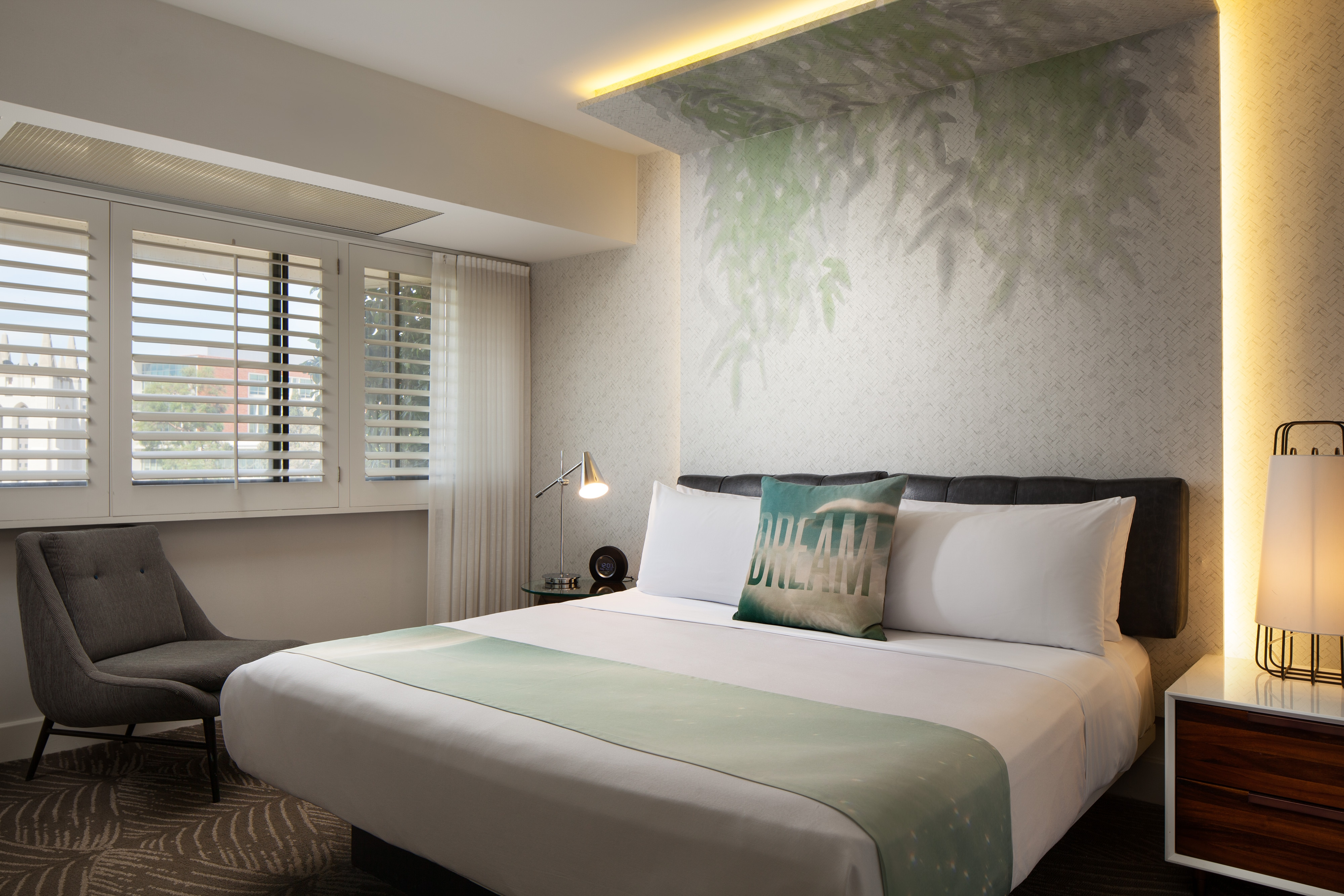 hotel rooms  amenities  w los angeles  west beverly hills