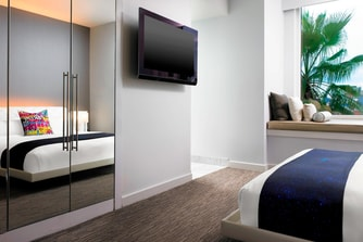 Hollywood Wow Suite - Bedroom
