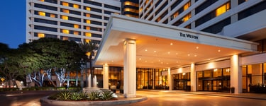 Отель The Westin Los Angeles Airport