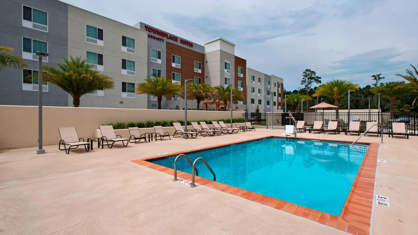 TownePlace Suites Pool Area