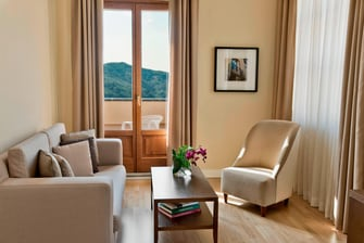 Spacious suite in Tuscany Italy