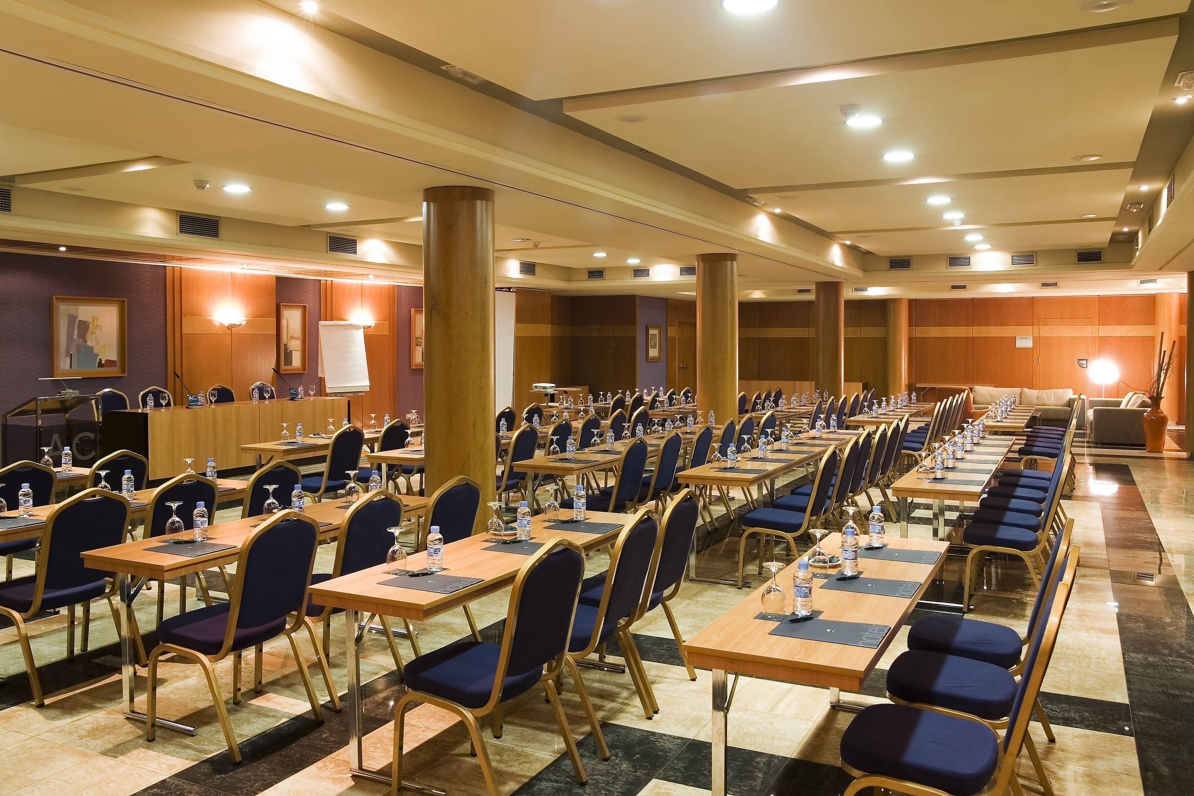 Salle de réunion de l'hôtel Almeria
