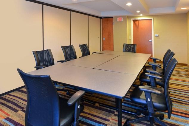 Fairfield Inn & Suites Georgetown Boardroom