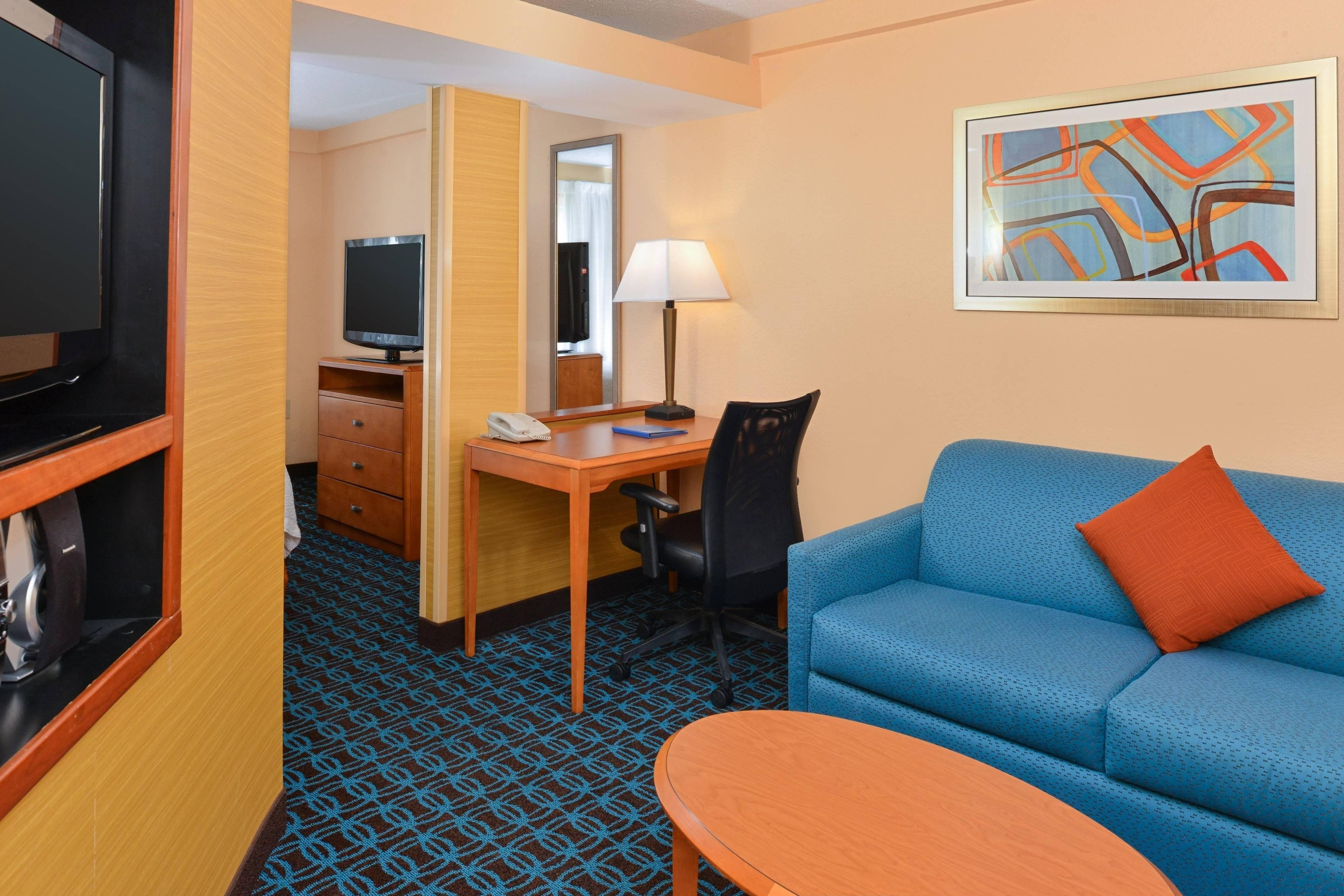 Fairfield Inn & Suites Georgetown Guestroom