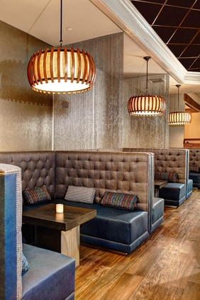 JW's Lounge – Dining Area